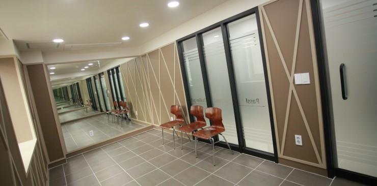 워킹실 및 파우더룸